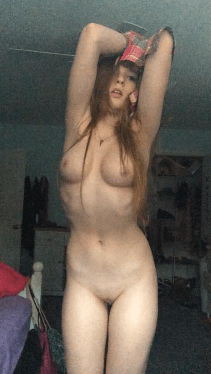 Ninfeta Karina 19 aninhos vazou nudes peladinha na web