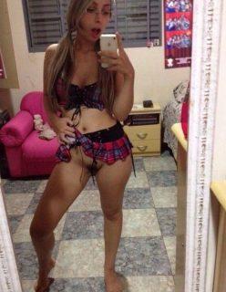Pelada no espelho loira de Salvador – BA exibe fotos caseiras da buceta