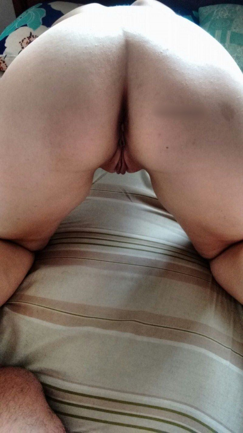 Esposa da buceta carnuda fazendo sexo