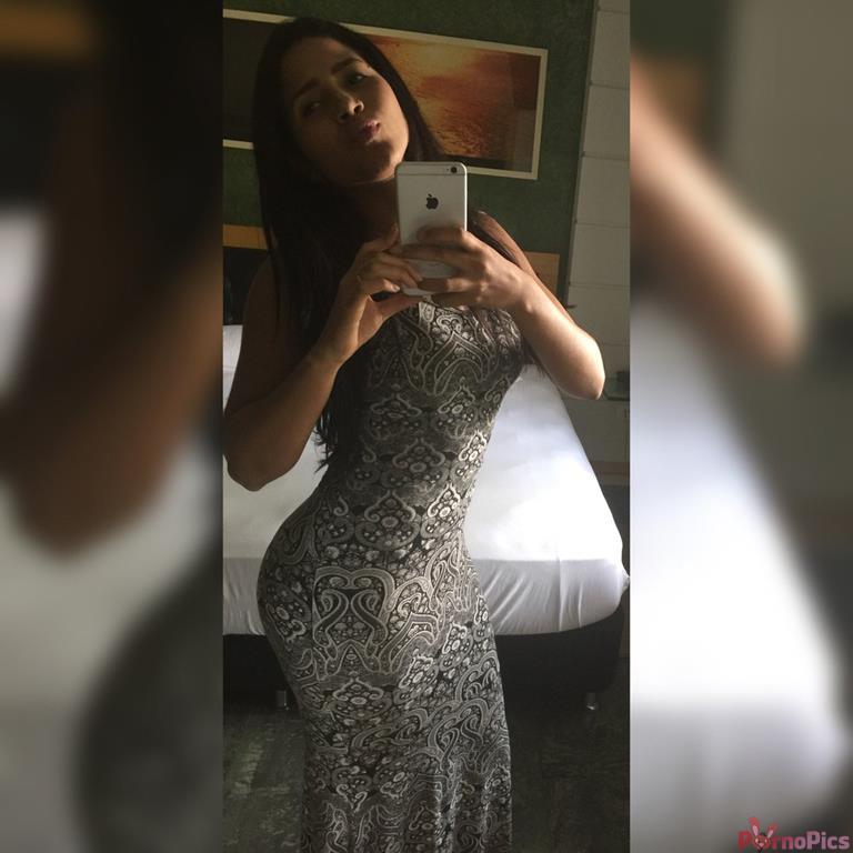 Karen Havary morena rabuda mandou fotos e vídeo pelada