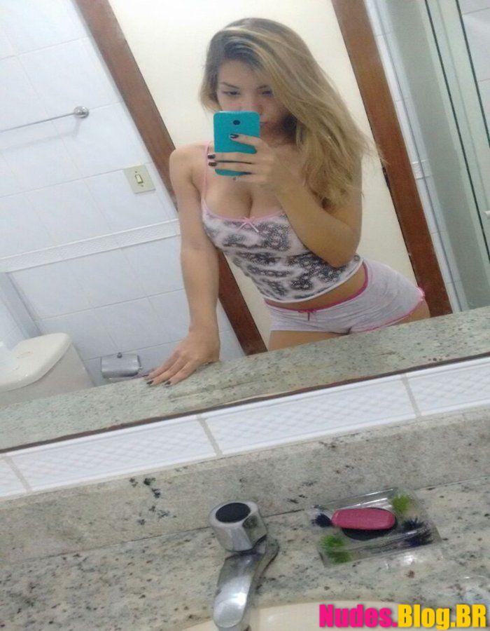Ninfeta peituda de Curitiba PR caiu na net mandando nudes
