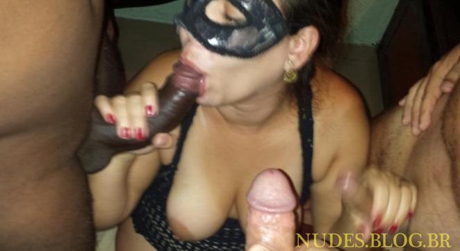 Sexo caseiro com a mulher do corno