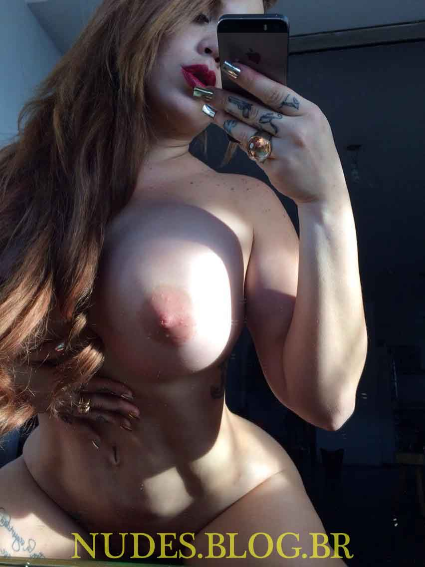 Deliciosa  Jenifer Aboul em fotos e videos