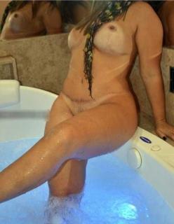 Loira casada super exibida