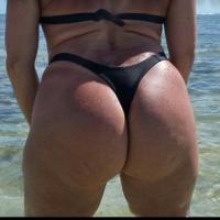 Coroa pelada na praia