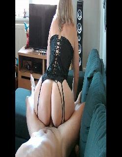 Fudendo a gostosa de lingerie preta